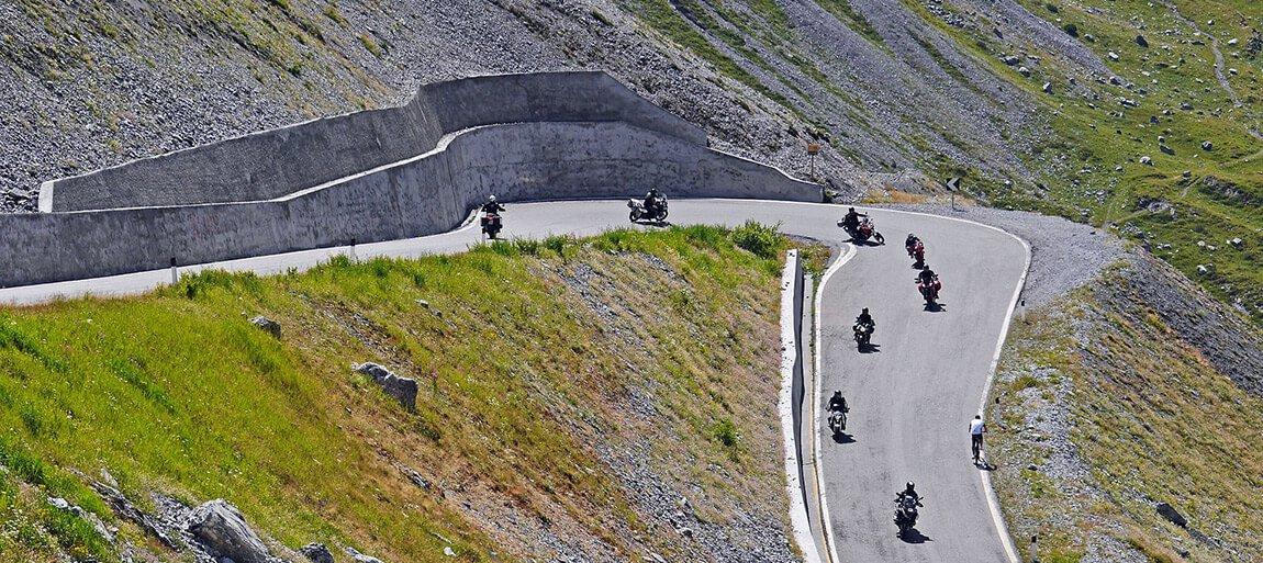 motorradfahren-dolomiten